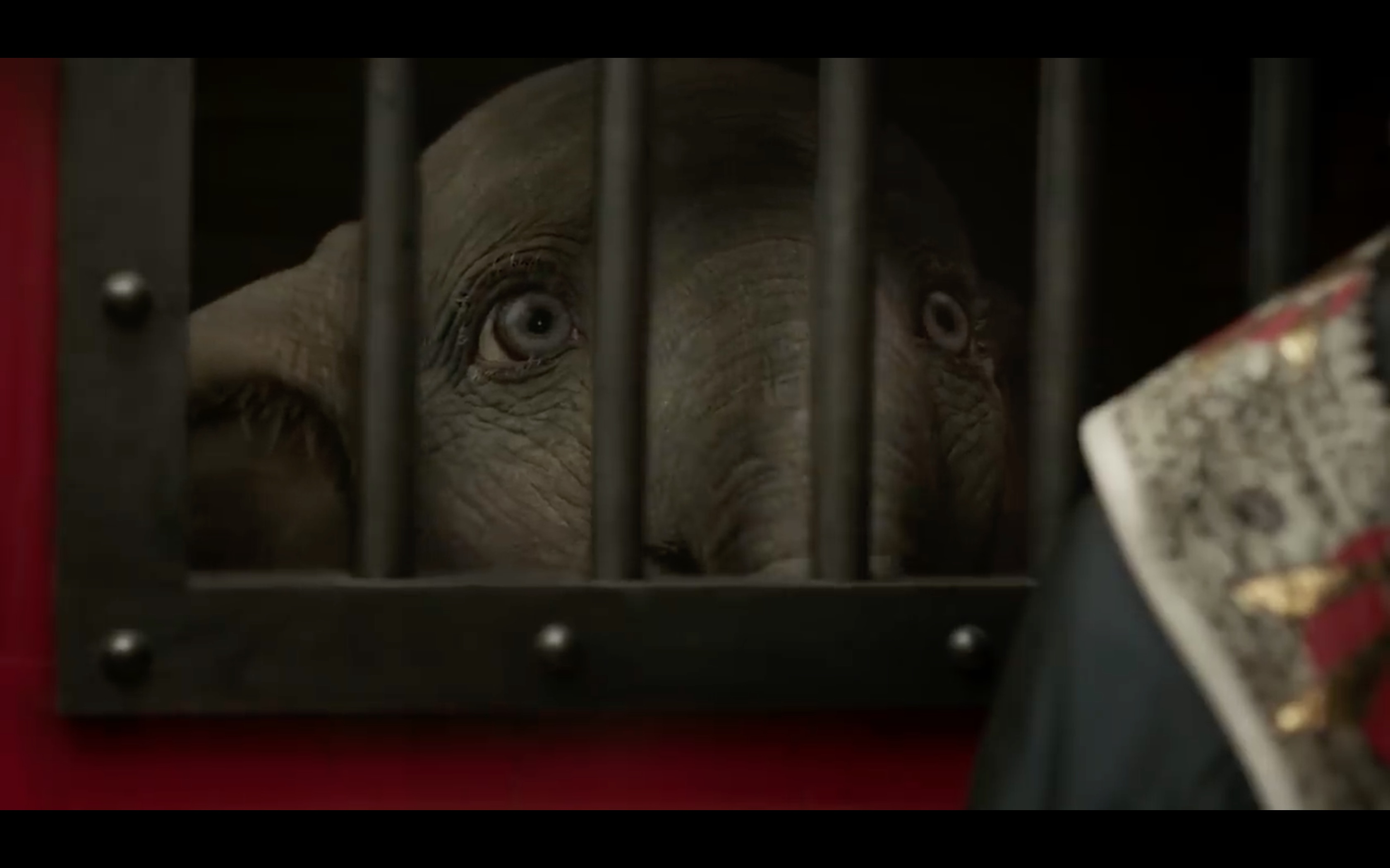 Tim Burton' Dumbo New Official Trailer